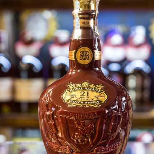 Chivas Royal Salute 21yo bordo